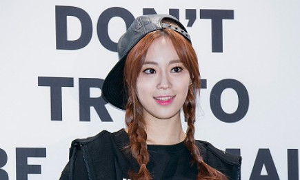 Former KARA member Youngji during the photocall for launching 'Suecomma Bonnie' Supercomma B Line.